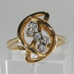 Gold ring with diamonds 15 sizes