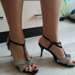 Sandals. Size 38-39.