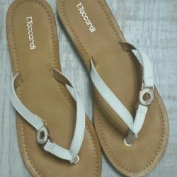 Slippers female. New.