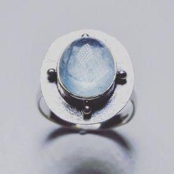 Akuamarin ile 925 gümüş yüzük