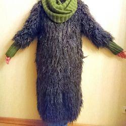 Set of fur coat and snood r 44
