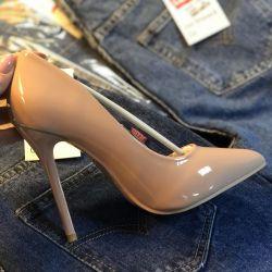 Αντλίες παπούτσια