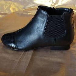 New ankle boots. Sizes 35, 36.