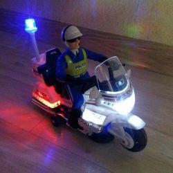 Polis motorsikleti.