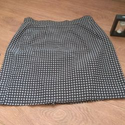 Women's skirt in perfect condition