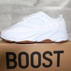 Adidas Yeezy 700 Boost