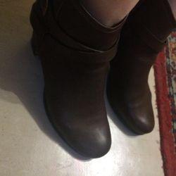 Μισό μπότες, παπούτσια ECCO