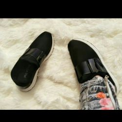 School white soles