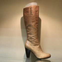 110.Autumn boots, new p.39, leather