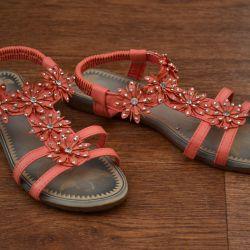Summer sandals (size 33)