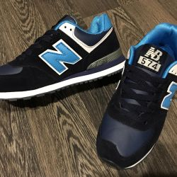 Новые кроссовки р.35 и 39