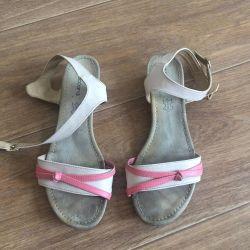 Sandals / Sandals