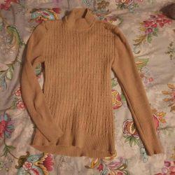 Δύο πουλόβερ και φούτερ p42