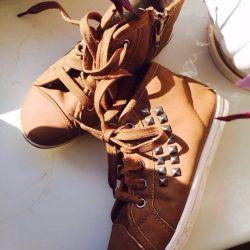 Χειμερινά παπούτσια σε άριστη κατάσταση