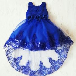 Dresses with accessories for hire