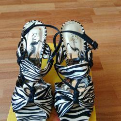New sandals Riddlestep