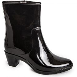 Rubber boots with heels
