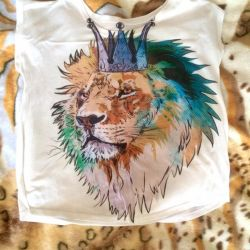 Tricou cu un leu