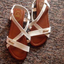 Sandalet boyutu 36