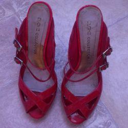 lac sandals