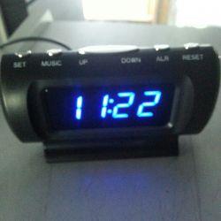 годинник будильник