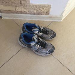 Αθλητικά παπούτσια με κορδόνια σιλικόνης