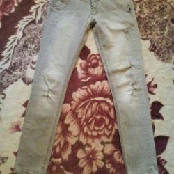 Jeans 44,46 sfâșiat