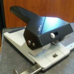 Güçlü zımba makinesi Leitz 5180 Almanya
