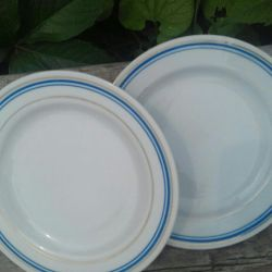 I will sell one lot of plates. 14pcs
