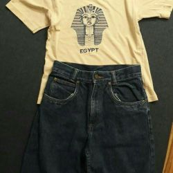 Комплект, джинсовые шорты и футболка