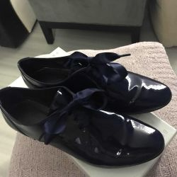 Andre France satin ribbon patent leather shoes
