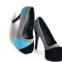 Women's shoes with heels