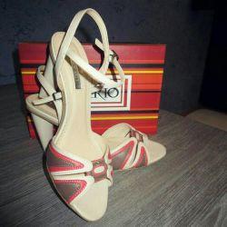 Sandals brand INARIO, p. 37-38
