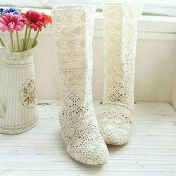 Δερμάτινες μπότες δαντέλες