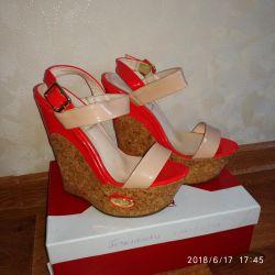 Sandals on the platform