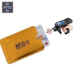 Защитный чехол для банковских карт.