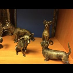 Bronz Dog Figurine