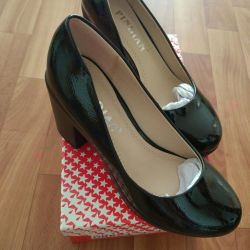 Νέο μέγεθος παπουτσιών 35