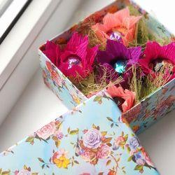 Μπουκέτο με γλυκά στο κουτί