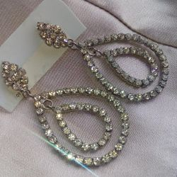 Evening dress earrings
