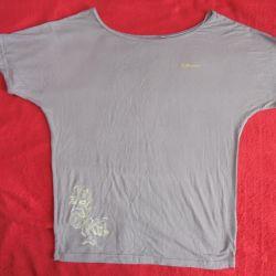 Selling a new T-shirt Demix 52 size