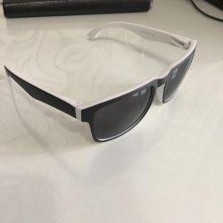 Ochelari de soare cu design elegant din Italia