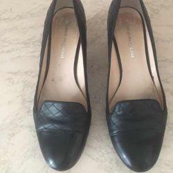 Women's Full Leg Shoes by Carlo Pasolini