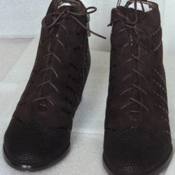 Winter 35 and 39 brown boots Litfoot