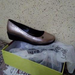 Wedge παπούτσια, μόδα τάση της σεζόν