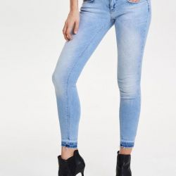 Jeans Only. Size 25