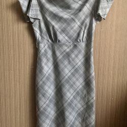 Φόρεμα σε ένα κλουβί