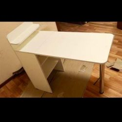 Manicure folding table