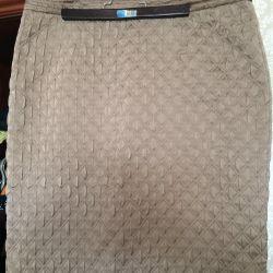 Узкая юбка . Карандаш . 48 размер . Стeжка .