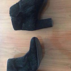Μοντέρνα μπότες αστράγαλο